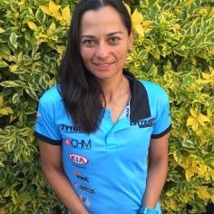 """Elena Lugo, ciclista desde hace tres años y triatleta desde 1997. Además es psicóloga clínica, maestra en Criminología y tiene una especialidad en Poligrafía. Este años fue segunda en la Clásica de Reyes y en la CRI del Fondo UCI SLP. """"El ciclismo es el deporte que más disfruto""""."""
